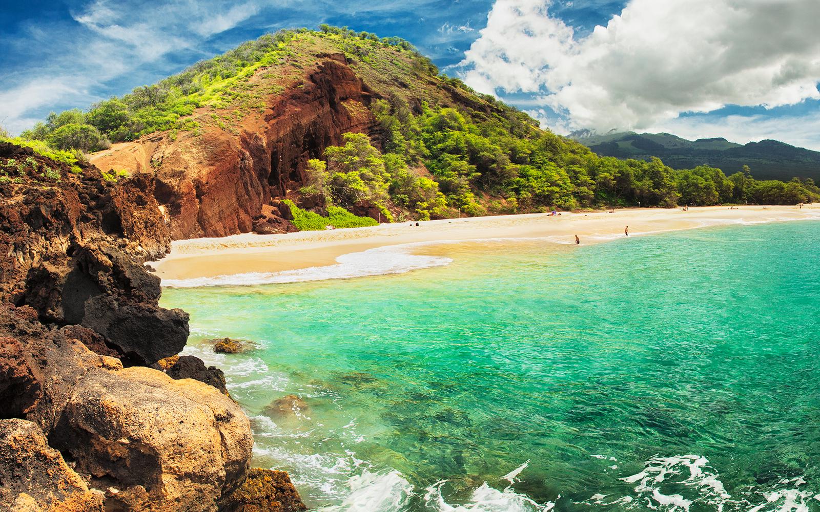 5 Spectacular Passport Free Vacation Destinations