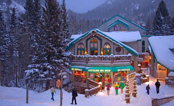 6 Best Christmas Vacations